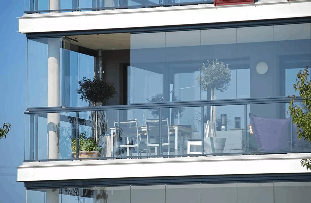 זכוכית הזזה מחוסמת